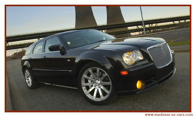 chrysler 300c srt 8 quand la presse d rape. Black Bedroom Furniture Sets. Home Design Ideas